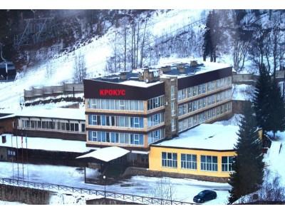 Отель Крокус Домбай,  территория, внешний вид